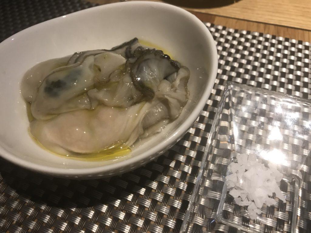 生牡蠣をクリスタルソルト